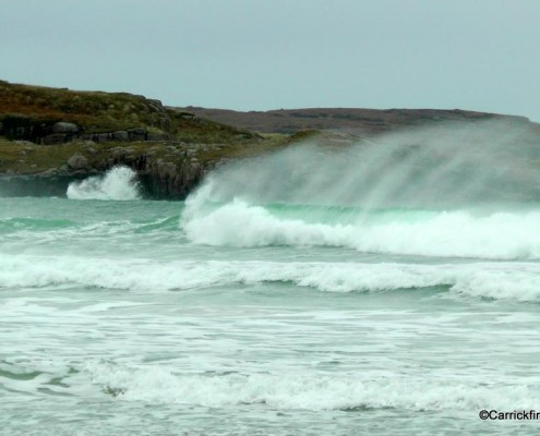 Winter waves at Carrickfinn